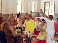 Свадебная церемония в буддийском храме