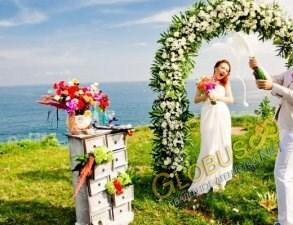 Свадебная церемония на пляже «селебрити»